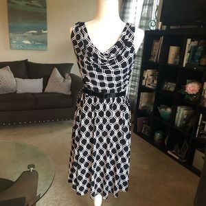 WIte House Black Market B&W belted print dress